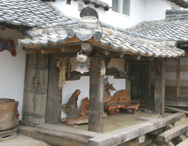 Dolmok Lodging of Gyeongju (경주 민박 돌목)