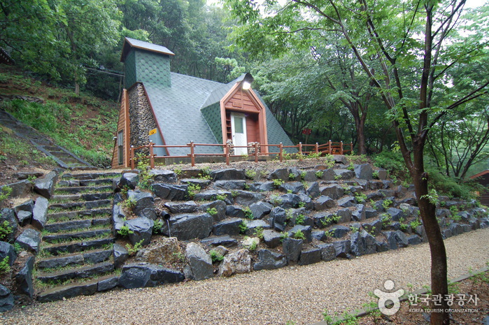 Chilgapsan Recreational Forest (칠갑산자연휴양림)