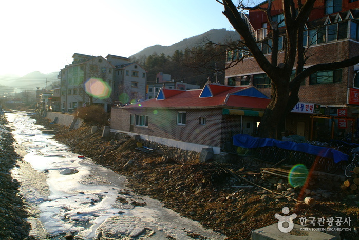 Gangchon Resort (강촌유원지)