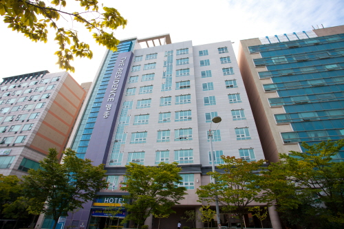 The Hotel Yeongjong - Goodstay (더호텔영종)