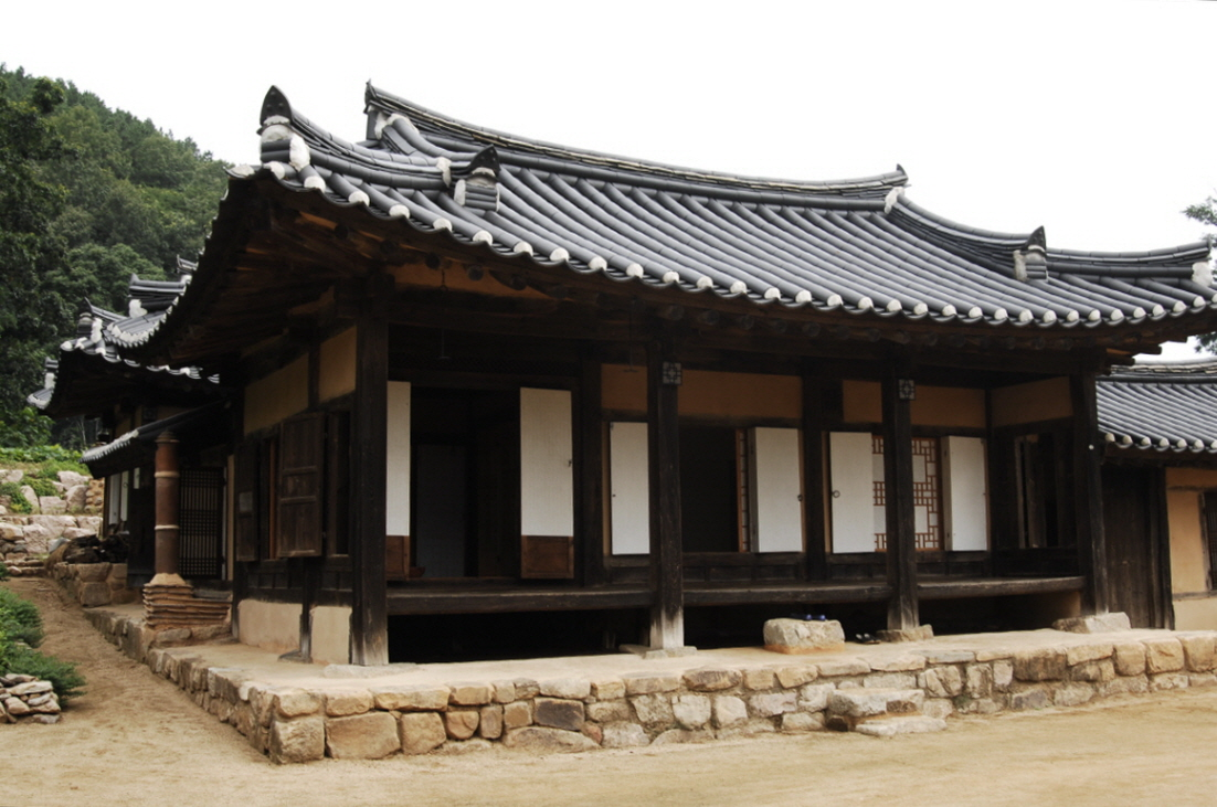 Changsil House (창실고택)