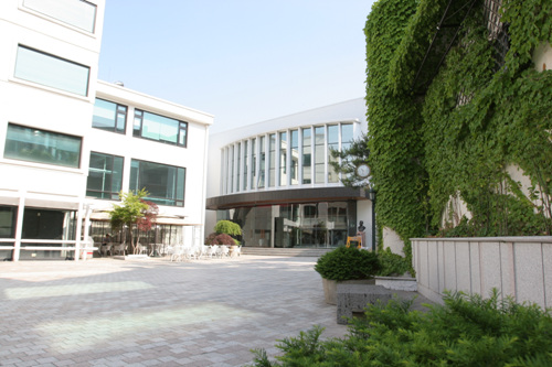 Namsan Arts Center (남산예술센터)