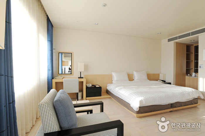 The Suites Hotel Gyeongju (경주스위트호텔)
