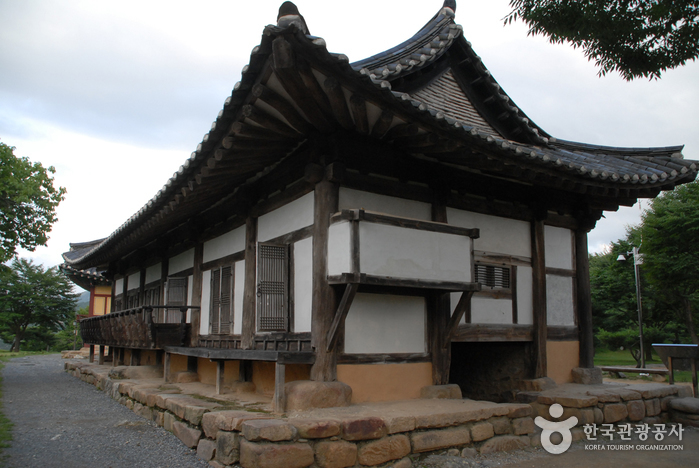 Cheongpung Cultural Heritage Complex (청풍문화재단지)