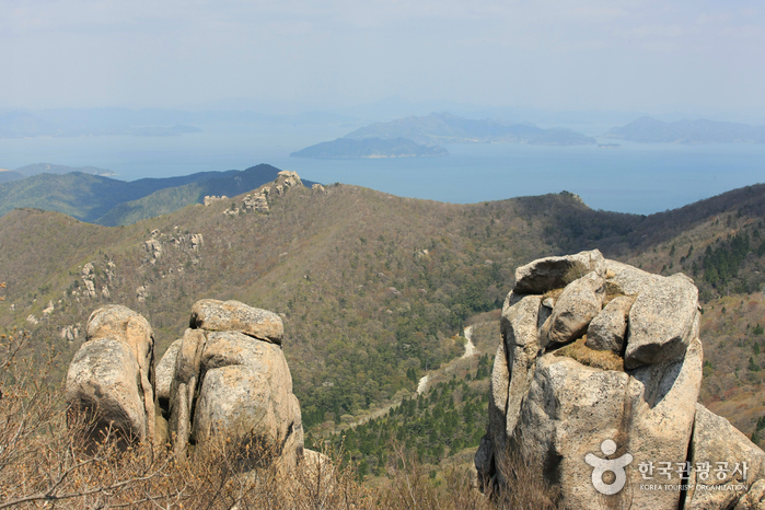 Geumsan Mountain (Namhae) - 금산 (남해)