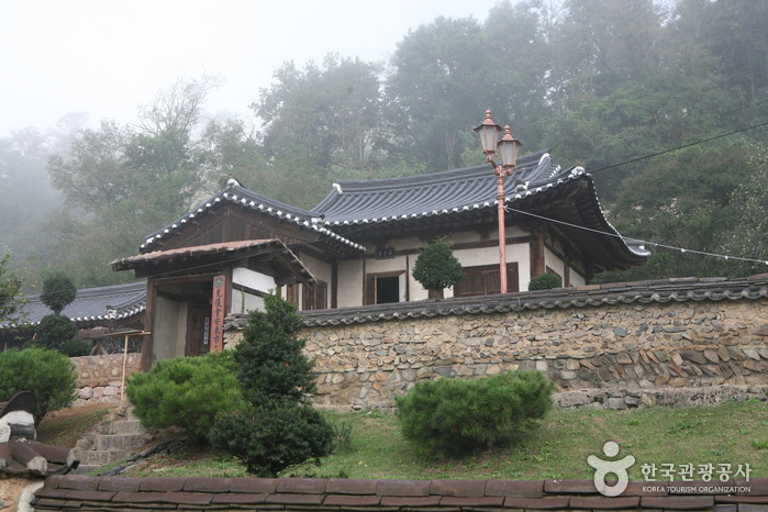 Imcheonggak House (안...