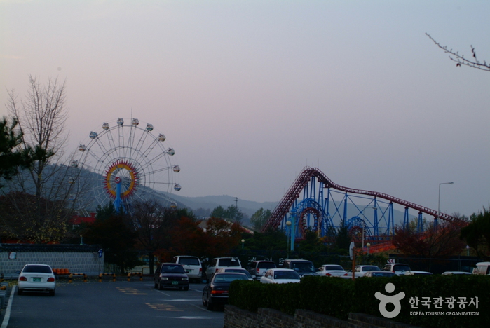 Gyeongju World Amusement Park (경주월드 어뮤즈먼트)