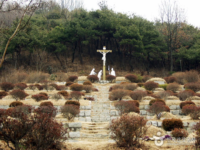 Chimyeongjasan Holy Ground (치명자산성지)
