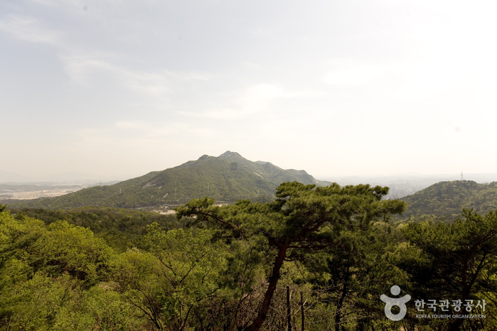 Suraksan Mountain (수...
