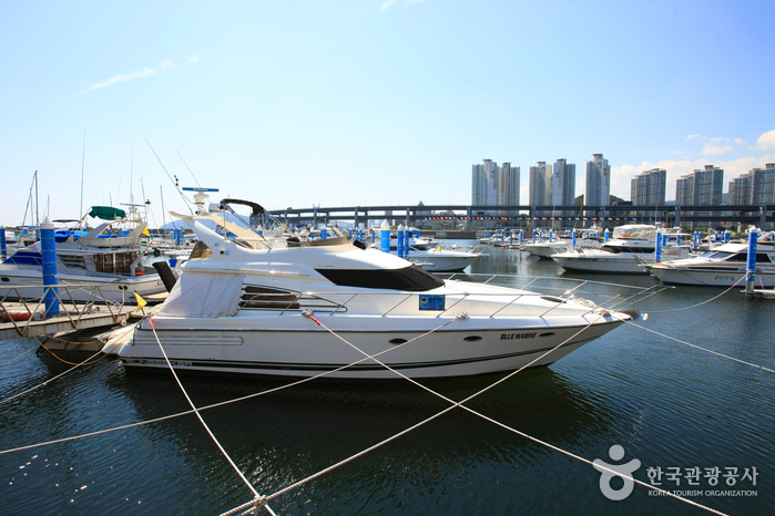 Busan Yachting Center